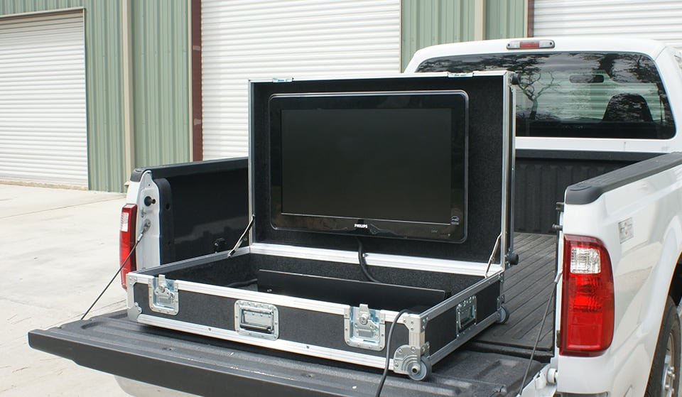 portable man cave tailgating pic