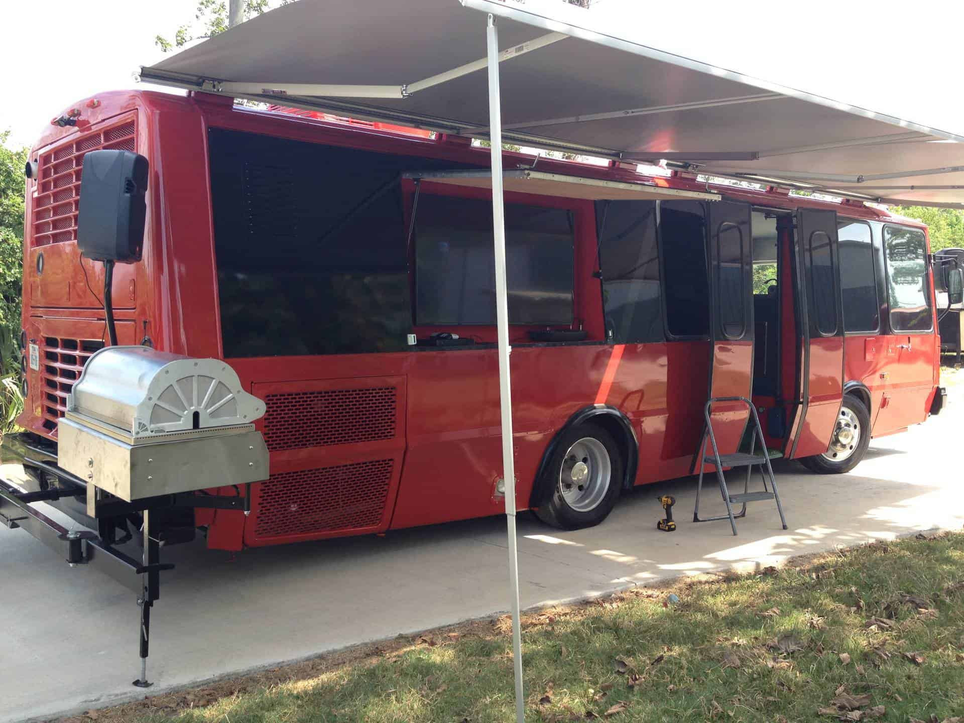 Custom Food Trailers >> Transit Bus Tailgating Vehicle - Imagi-Motive